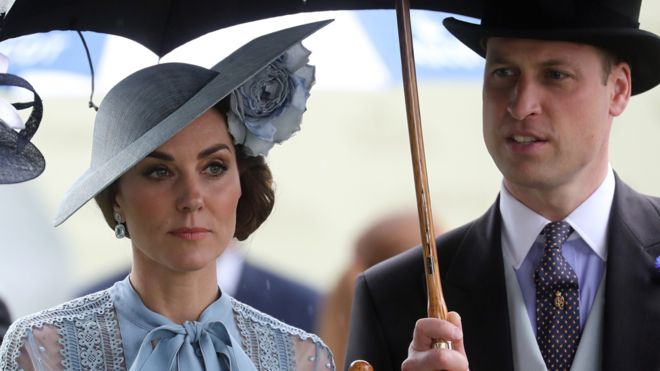 Old woman injures in William and Kate convoy crash