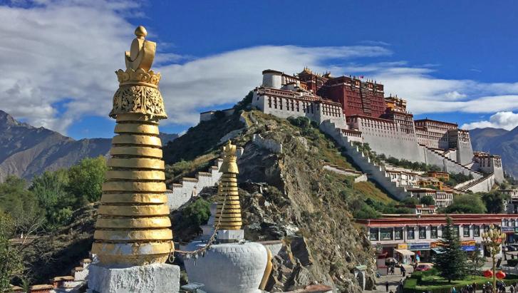 Tibet opens first art museum of stone