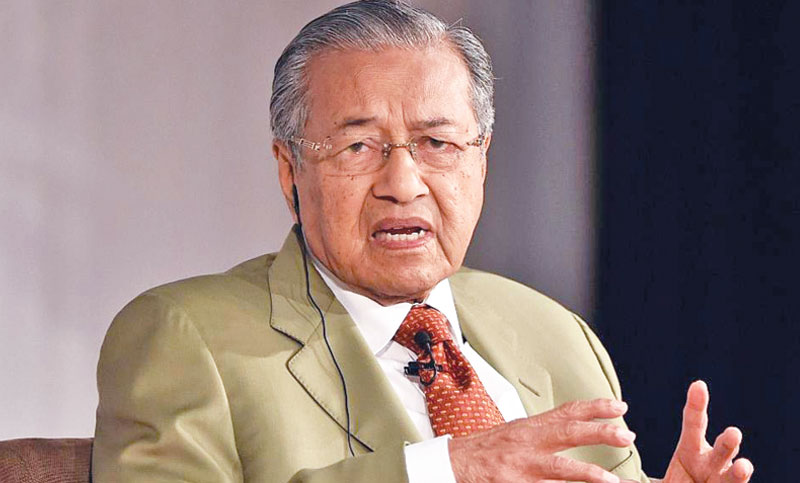Mahathir criticises 'ridiculous' charges over MH17