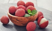 Should diabetics eat litchis and cherries?