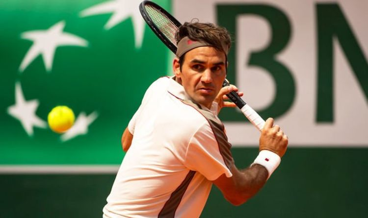 Roger Federer through to Halle Open semi-finals but Alexander Zverev goes out