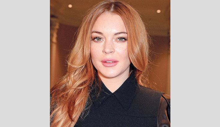 Lindsay Lohan signs new record deal
