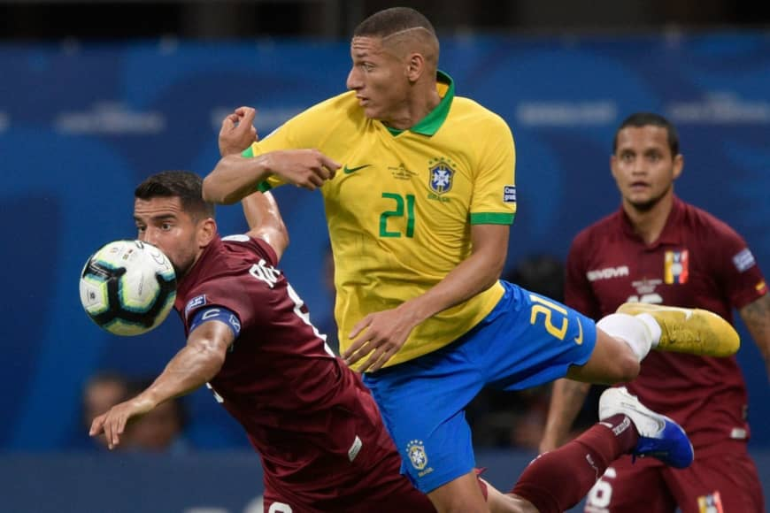 Goalkeeper gaffe helps Brazil trounce Peru to reach Copa quarter-finals