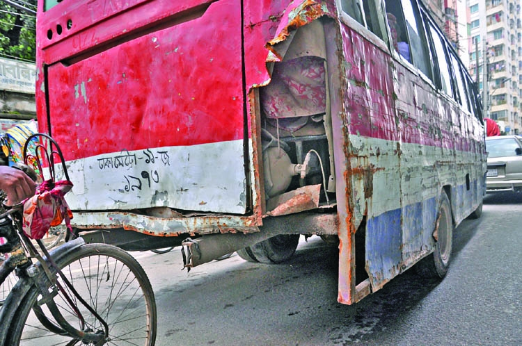 Give list of registered but unfit vehicles: HC