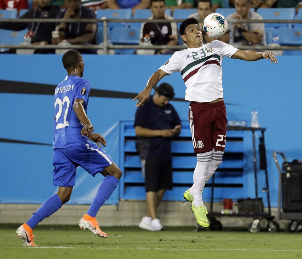 Mexico tops Martinique 3-2 to reach Gold Cup quarterfinals