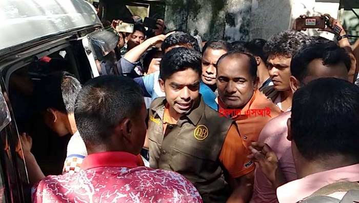 Sub-inspector  held with 'Yaba, hemp' in Thakurgaon