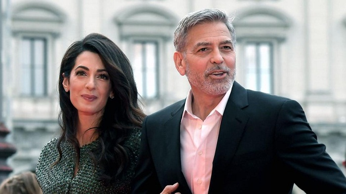 George Clooney vacations with Obama, their wives Amal and Michelle in Italy