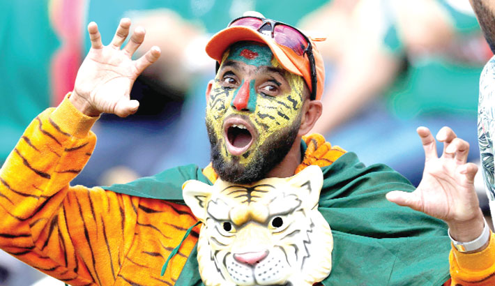 Bangladesh supporter cheers