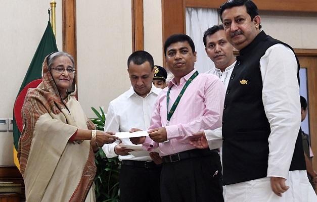 PM donates Tk 15 crore to Khulna Child Hospital