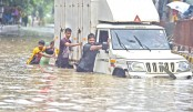 Monsoon rains soak Mumbai