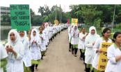 Barishal nursing students continue strike