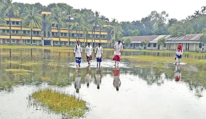 Heavy rain hampers classes of around 1500 students