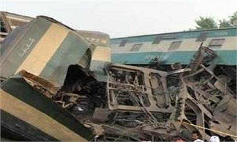 Train collision in Pakistan kills 16