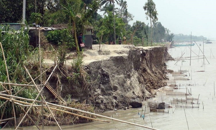 Jamuna turns turbulent; devours over 200 houses in 2 weeks