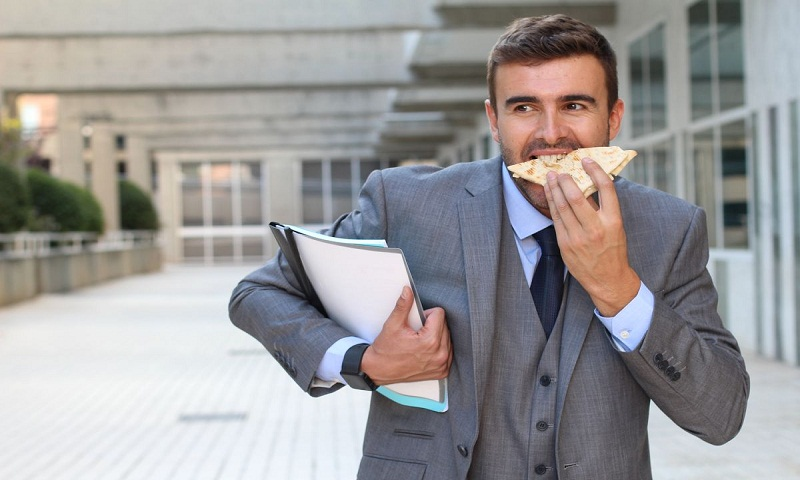 How to beat stress eating at workplace