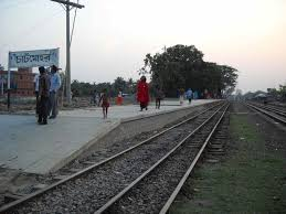 School teacher crushed to death by train in Pabna