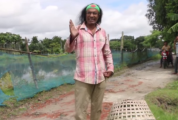 Kuddus Boyati expresses anger for not renovating a road (Video)