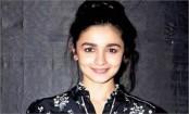 Alia Bhatt records romantic song for 'Sadak 2'