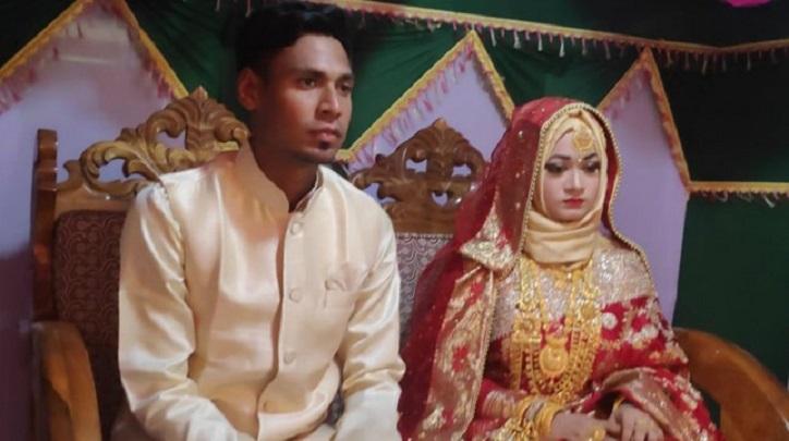 Fizz's wedding reception held in Satkhira