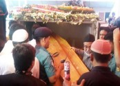 Party men pay homage to HM Ershad at Jatiya Party's Kakrail central office