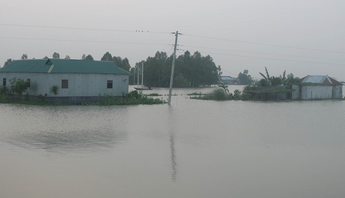 Flood situation worsens in Sirajganj