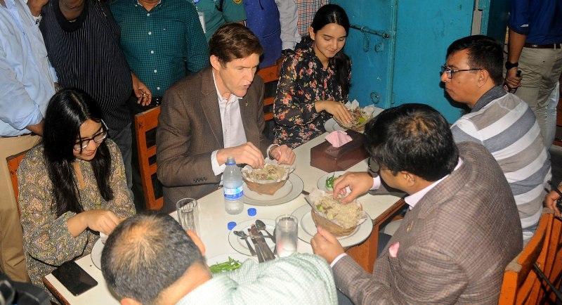 US Ambassador tastes old Dhaka's Briyani, Bakorkhani