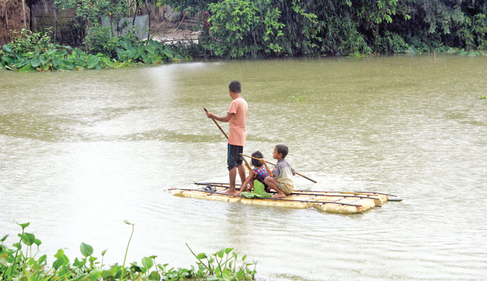 20 dead, cry for aid as floods submerge new areas