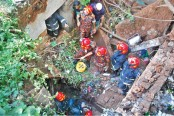 Man, son die in Old Dhaka building collapse