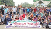 DU students block Shahbagh for second day