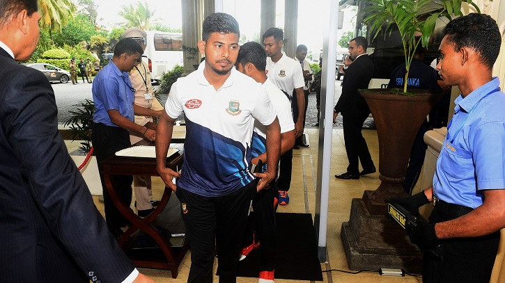 Bangladesh team arrives in Sri Lanka