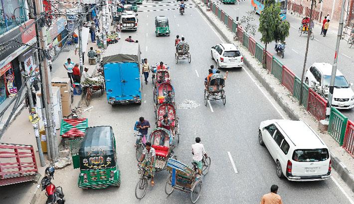 Rickshaw ban falls on deaf ears
