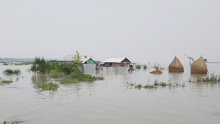 Thousands affected as rivers continue to rise
