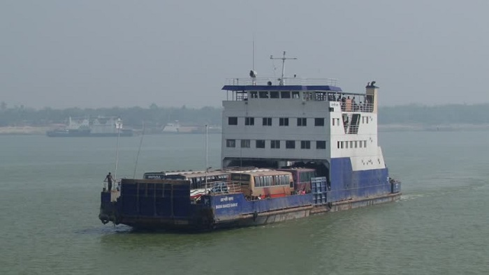 Ferries not to carry heavy vehicles for 3 days before and after Eid-ul-Azha