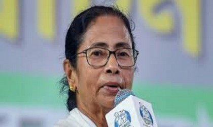 Replace EVMs with ballot papers, demands Mamata