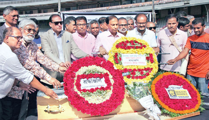 People pay homage to sports journalist Ajay Barua