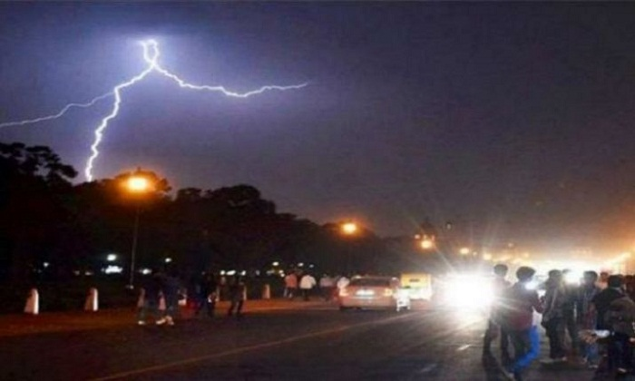 32 killed due to thunder strike in Uttar Pradesh