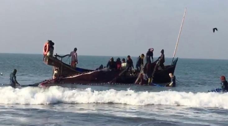 65-day ban ends: Fishermen resume fishing in Bay
