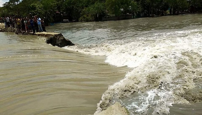 India, Nepal, Bangladesh flood toll crosses 300