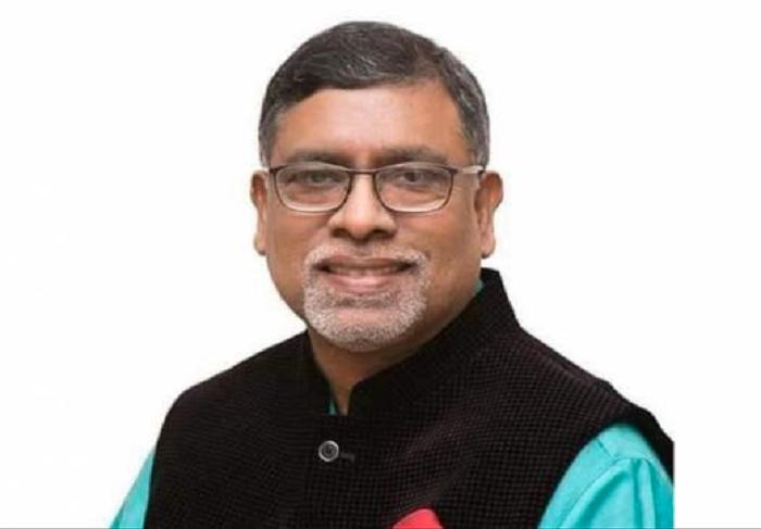 Provide proper treatment to dengue patients, Zahid asks doctors