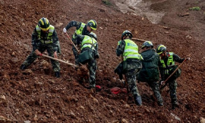 At least 30 killed and 15 missing after China landslide