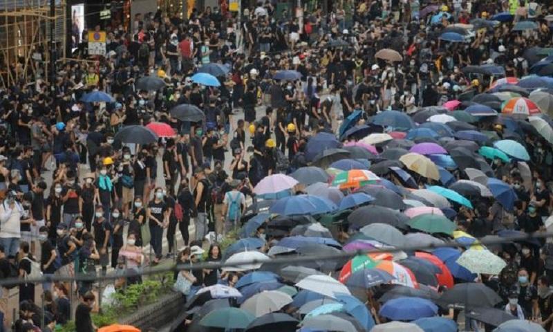 Hong Kong protests: Demonstrators defy police ban again