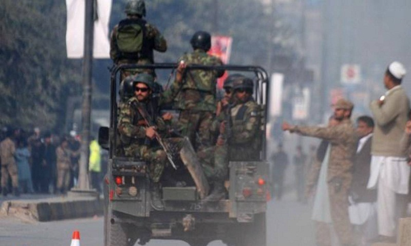 Pakistani military says militant attacks killed 10 soldiers