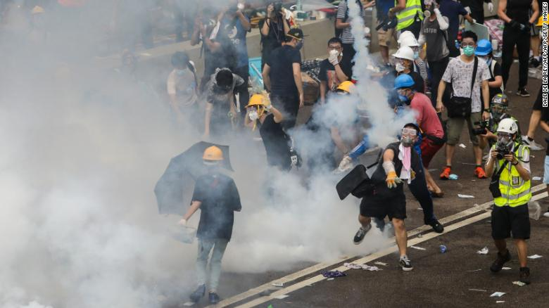 Police fire tear gas, rubber bullets at Hong Kong protesters