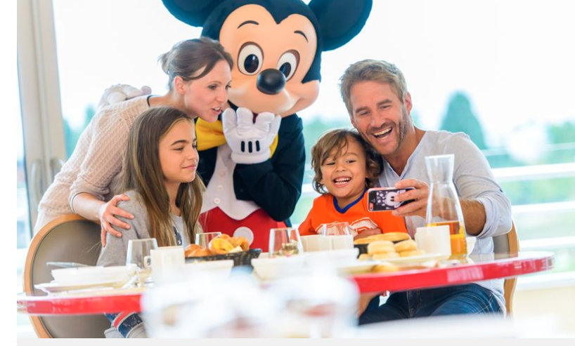 Disneyland Paris breaks launch with free Character Breakfasts