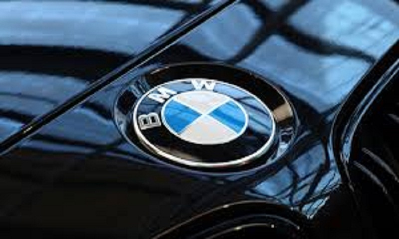 BMW profits drop on spending for new tech