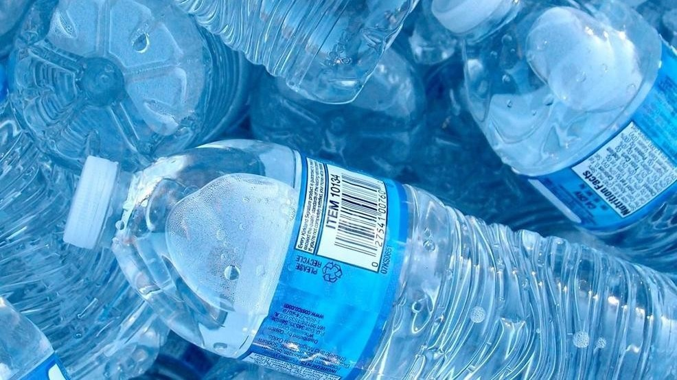 San Francisco first airport to ban sale of plastic bottles