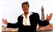 Singer Joe Longthorne dead at 64