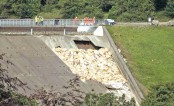 More homes evacuated as new storms threaten collapsing UK dam