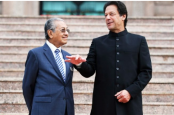 Imran phones Malaysia's Mahathir, discusses Kashmir tension