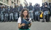 Olga Misik: Russia's 'Tiananmen teen' protester on front line